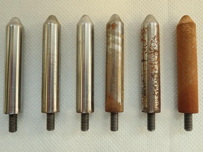 Степени на корозия на стомана от тестове, доброто отделяне на въздуха и водата в маслото свежда корозията до минимум